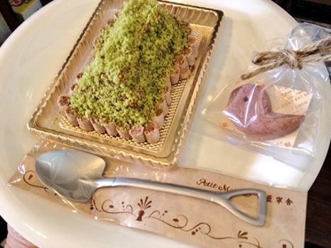 ならまち菓子工房プティ・マルシェ&ぷちまるカフェの古墳ケーキ
