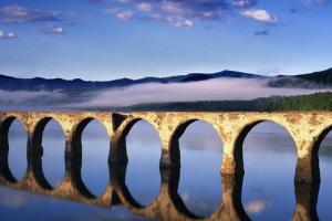 大学生が夏休みに行きたいオススメ日本の絶景│北海道のタウシュベツ橋梁