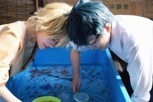しままゆさんのご紹介│すくってごらんと金魚、奈良を愛する島と眉の二人組