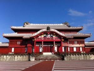 沖縄無料ガイドがすごい!首里城の御内原も完成!