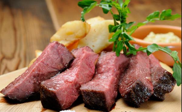 嘔吐下痢の原因になる梅雨から夏場にかけて食中毒になりやすい食べ物20
