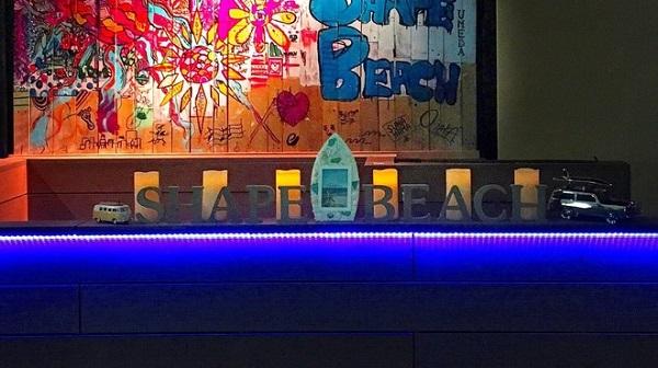今話題の全国で行ける砂場バー全国版│インスタ映え砂浜DINING BAR SHAPE BEACH 心斎橋店