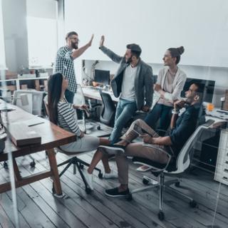 LINEオープンチャット「オンライン異業種交流会┃起業家・企業・ライター・ブロガーの集い」